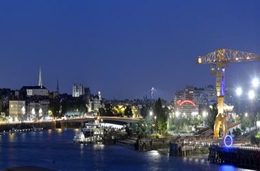 Nantes le port la nuit